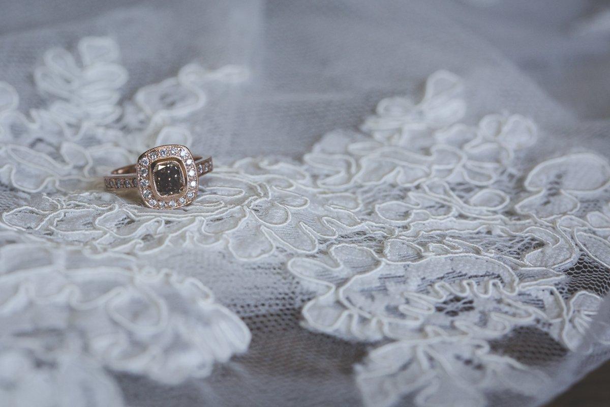 corowa albury wedding photographer at corowa whisky factory4