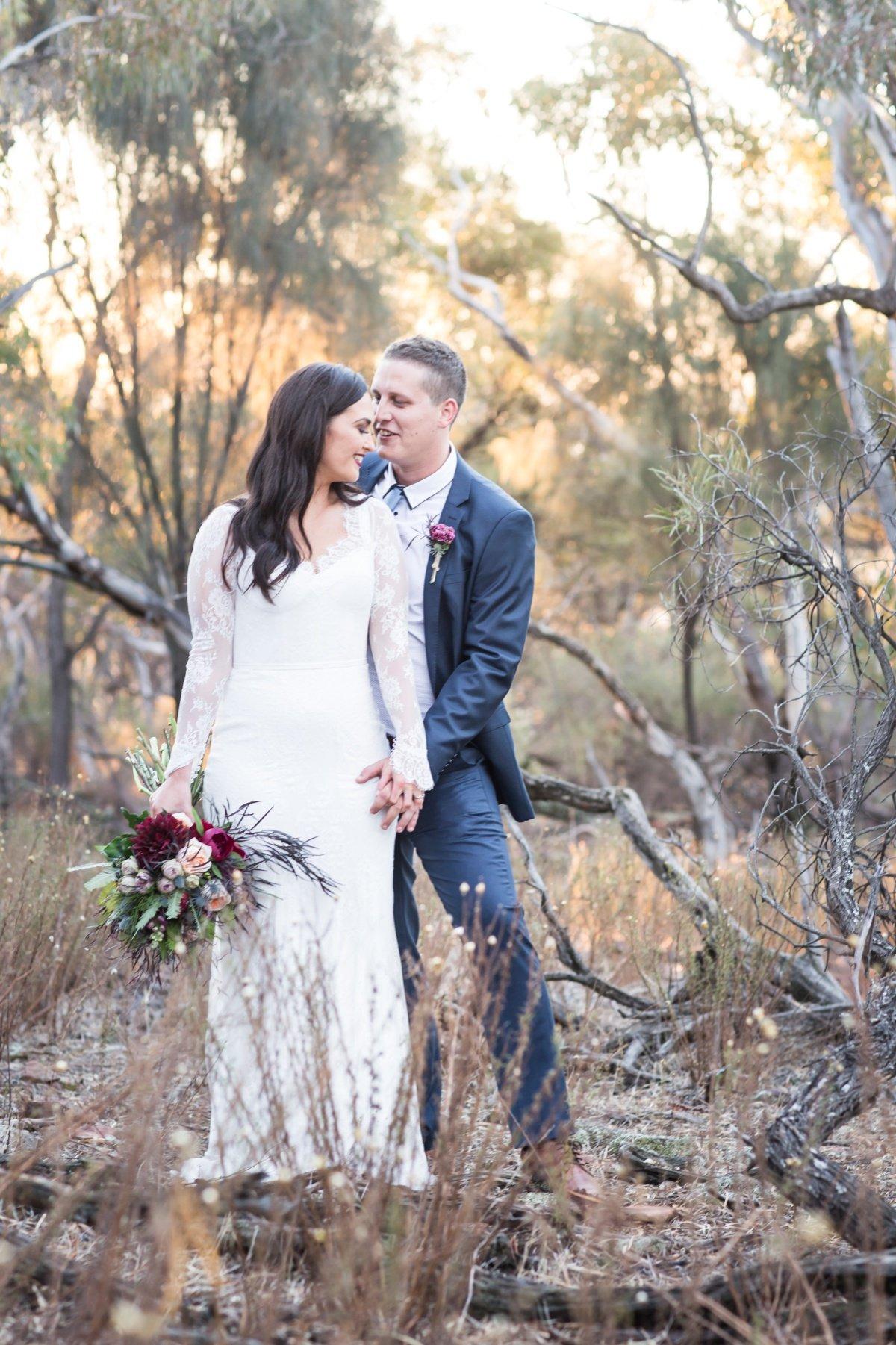 tabletop mountain peregrines wedding albury wagga wagga_wedding photographer albury griffith melbourne rutherglen wedding photographer_0278