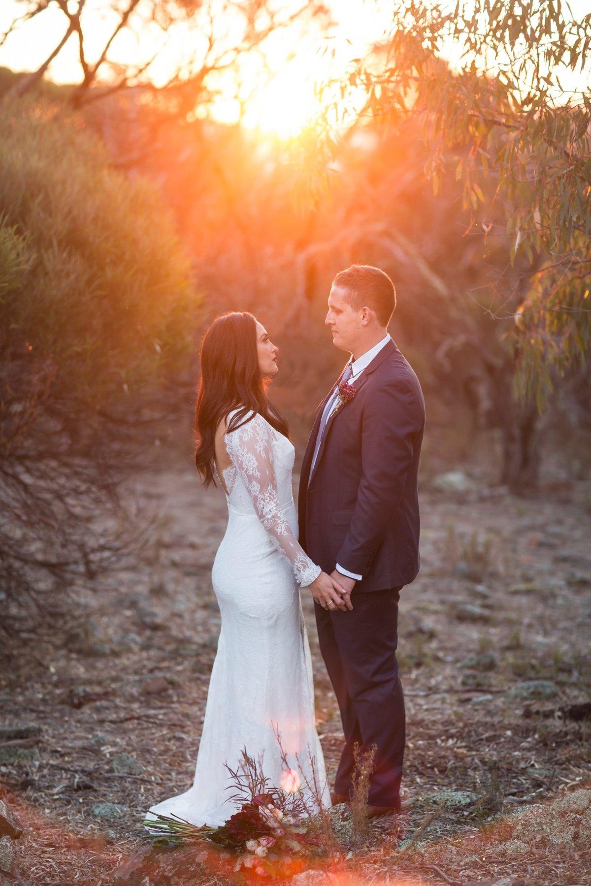 peregrines-table-top-wedding-albury_0310